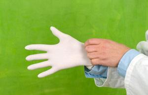 Резиновые перчатки как средство защиты