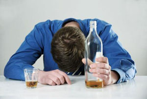 Алкогольная кома: причины, симптомы, стадии, первая помощь, лечение