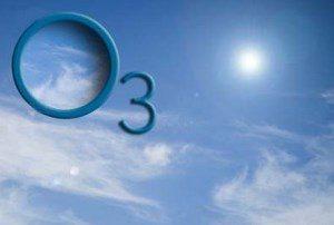 формула озона на фоне неба
